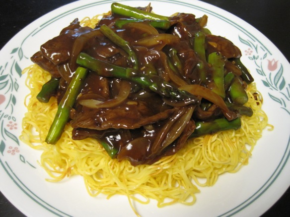 beef and asparagus pan-fried noodles 2