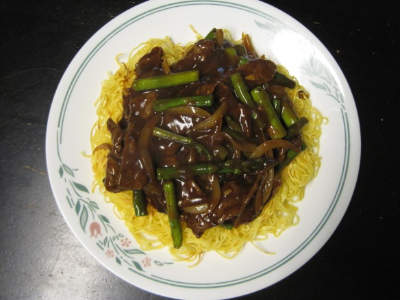beef and asparagus pan-fried noodles